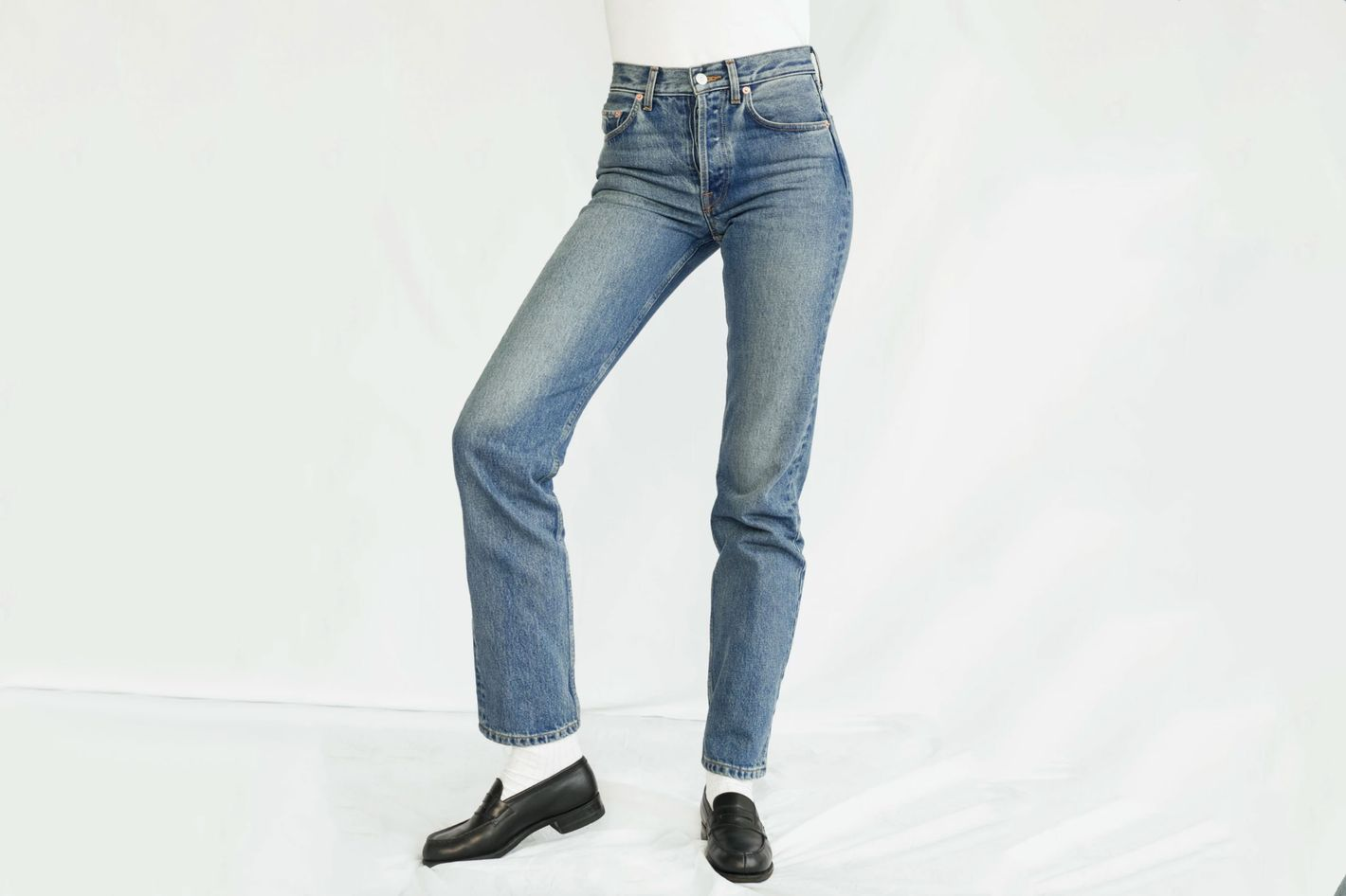 The Feel Studio The Genuine Jean