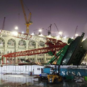 At least 52 dead in Mecca crane collapse