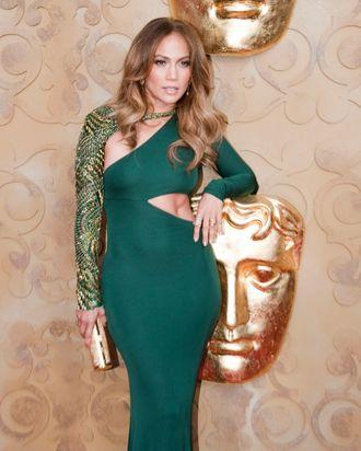 Jennifer Lopez wore this to meet Kate Middleton.