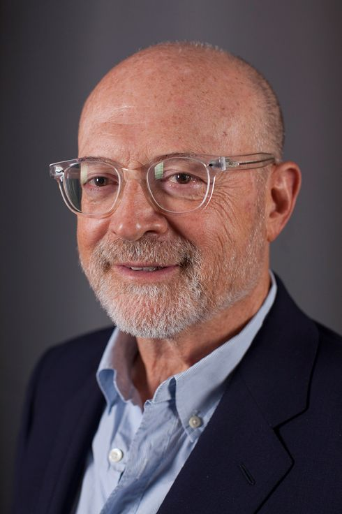 mickey drexler j crew Brett, an executive with more than 25 years of retail experience, will leave west  elm to replace j crew's longtime ceo mickey drexler, who will.