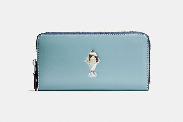 Accordion Wallet With Sundae