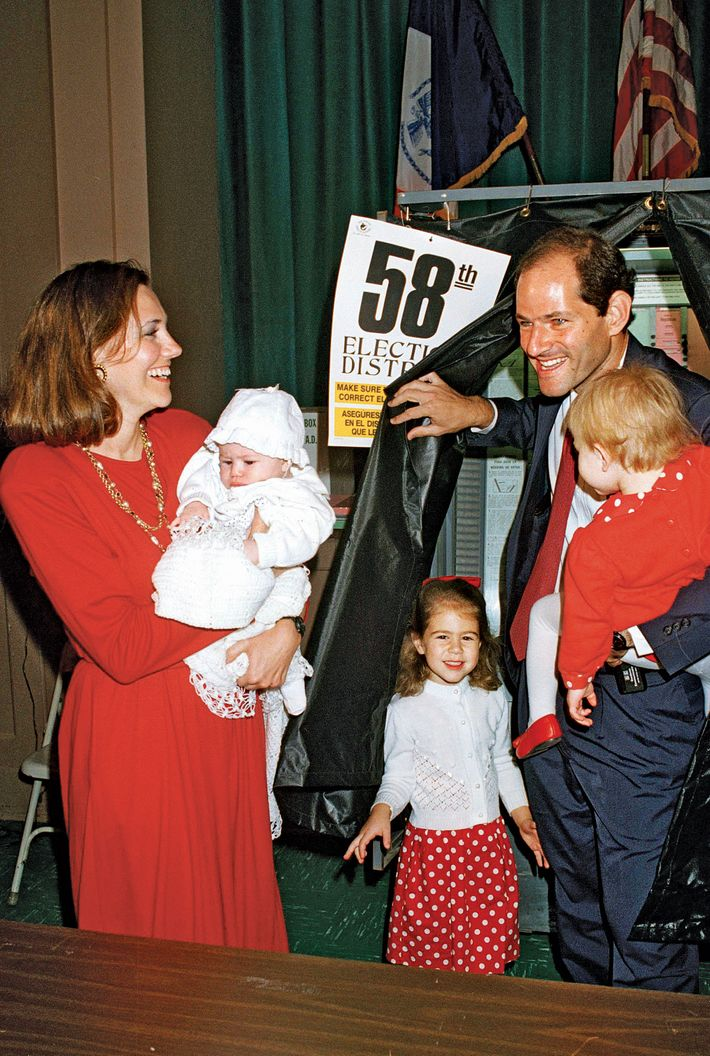 """Eliot Spitzer with his daughters and then-wife Silda in 1994. Photo:  Richard Drew/AP Photo. """""""
