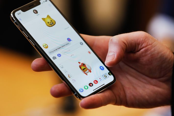 How To Make And Send Animoji On IPhone X