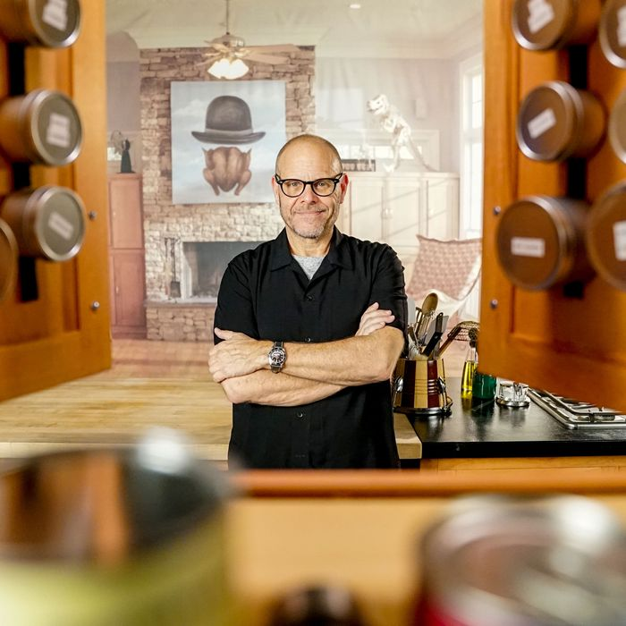 Alton Brown On Good Eats Reloaded And Good Eats Reboot