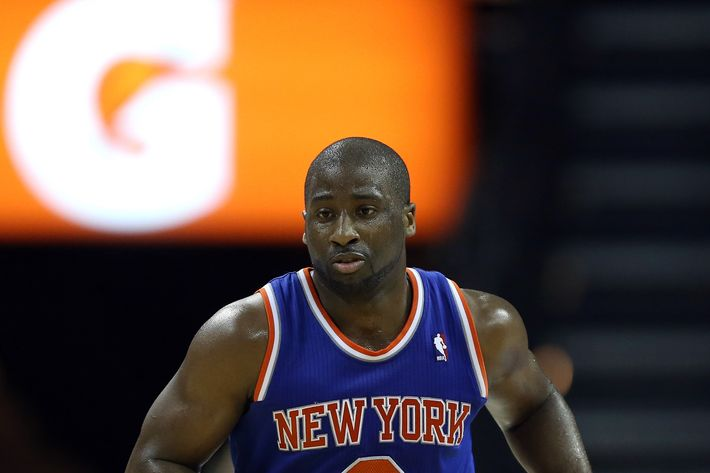 CHARLOTTE, NC - DECEMBER 05:  Raymond Felton #2 of the New York Knicks during their game at Time Warner Cable Arena on December 5, 2012 in Charlotte, North Carolina. NOTE TO USER: User expressly acknowledges and agrees that, by downloading and or using this photograph, User is consenting to the terms and conditions of the Getty Images License Agreement.  (Photo by Streeter Lecka/Getty Images) *** Local Caption *** Raymond Felton