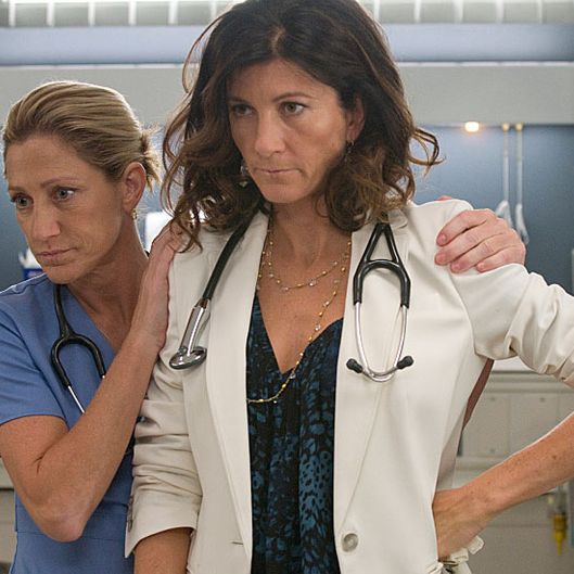 Edie Falco as Jackie Peyton and Eve Best as Dr. O\'Hara in Nurse Jackie (Season 5, episode 1).