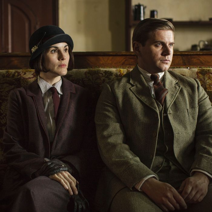 Downton AbbeyPart Five- Sunday, January 31, 2016 at 9pm ET on MASTERPIECE on PBSThomas makes Andy a generous offer. Spratt rescues Denker. A powerful politician comesto dinner. Robert upsets the family. Mary gets suspicious. Shown from left to right: Michelle Dockery as Lady Mary and Allen Leech as Tom Branson (C) Nick Briggs/Carnival Film & Television Limited 2015 for MASTERPIECE This image may be used only in the direct promotion of MASTERPIECE CLASSIC. No other rights are granted. All rights are reserved. Editorial use only. USE ON THIRD PARTY SITES SUCH AS FACEBOOK AND TWITTER IS NOT ALLOWED.