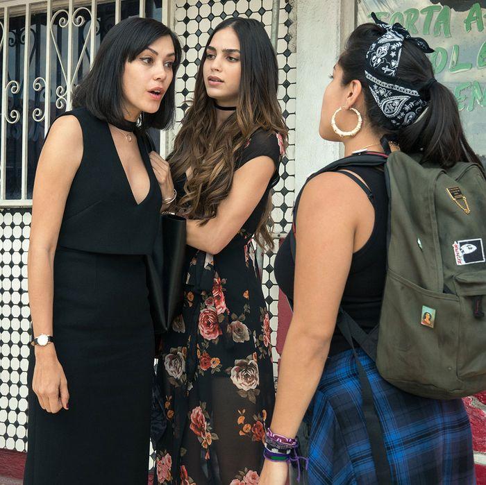 Vida' Recap Season 1 Episode 1: 'Pilot'
