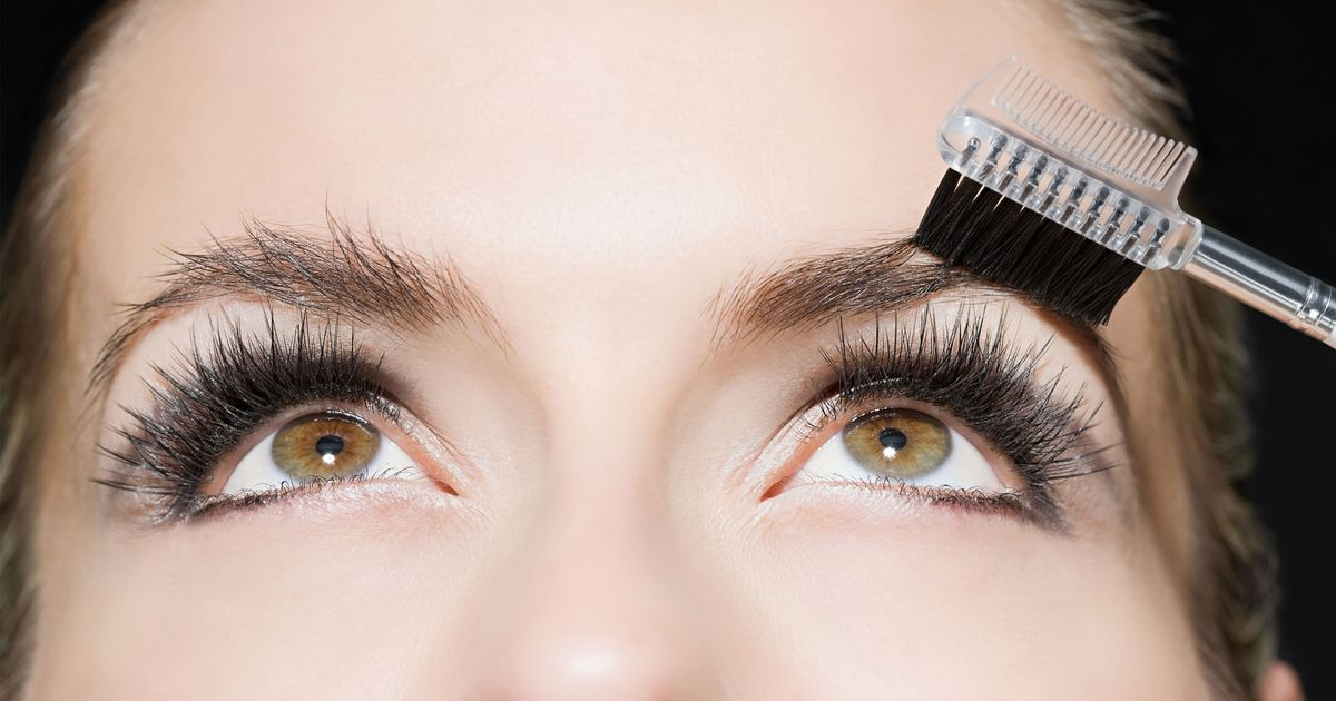 How to Strategically Grow Out Your Eyebrows