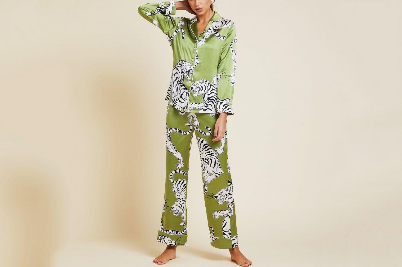 37c2be933f Olivia Von Halle Lila Rola Screen-Print Silk Classic Pajama Set