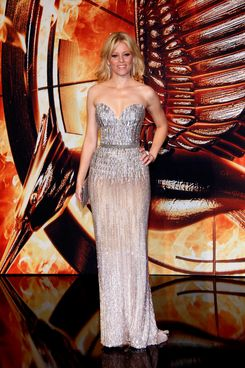 Actress Elizabeth Banks attends the Germany premiere of the film 'The Hunger Games - Catching Fire' (Tribute von Panem - Catching Fire) at Sony Centre on November 12, 2013 in Berlin, Germany.