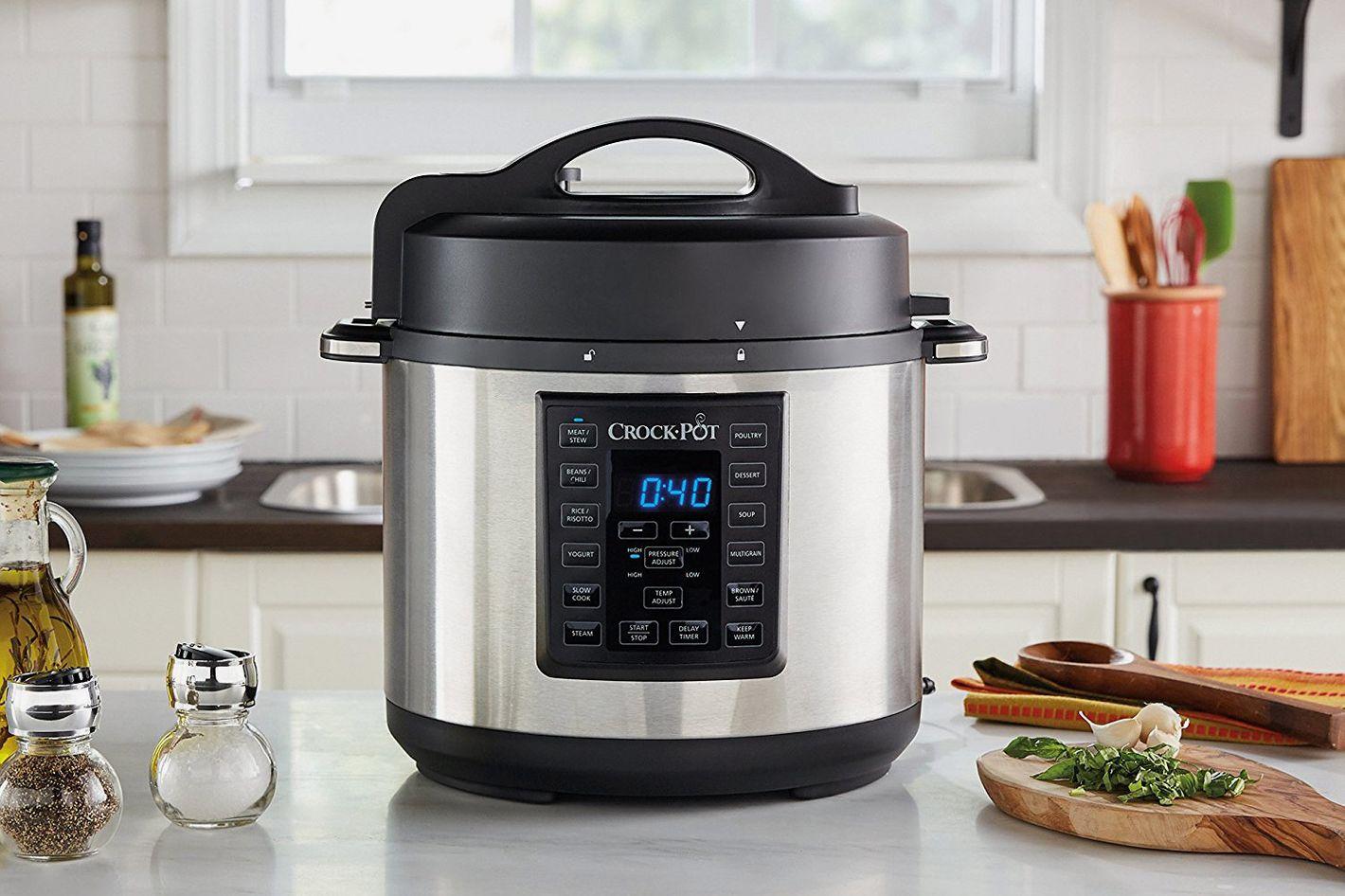 Crock-Pot 6 Qt 8-in-1 Multi-Use Express Crock Programmable Slow Cooker