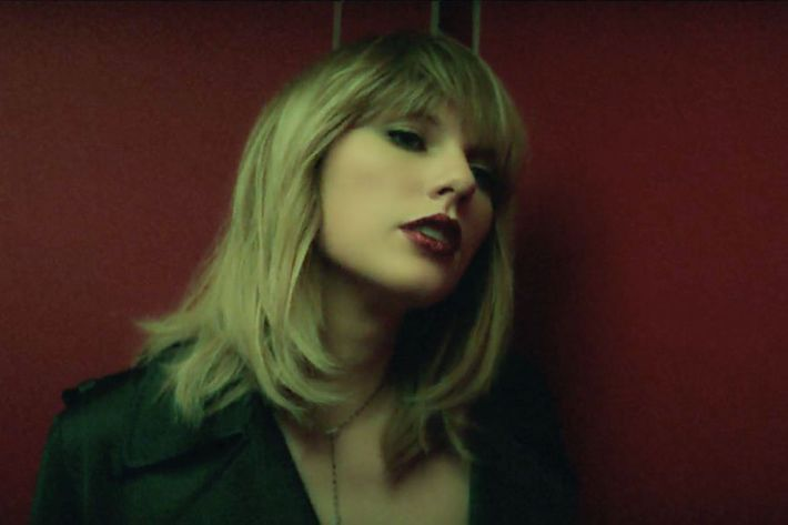 15 Faces Taylor Swift Makes In Her New Music Video