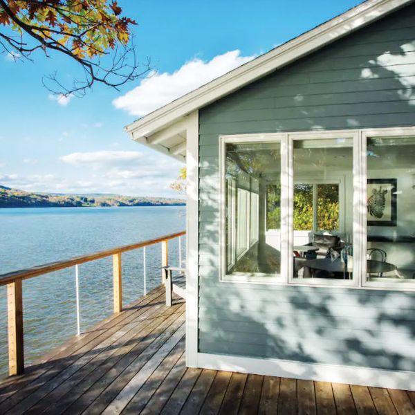 Modern cottage with Hudson River view
