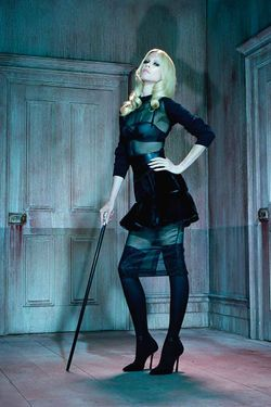 Claudia Schiffer in German Vogue.