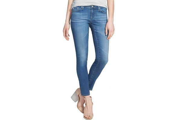 Best everyday petite jeans