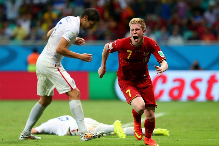 SALVADOR, BRAZIL - JULY 01: Kevin De Bruyne of Belgium celebrates scoring his team's first goal during the 2014 FIFA World Cup Brazil Round of 16 match between Belgium and USA at Arena Fonte Nova on July 1, 2014 in Salvador, Brazil. (Photo by Alex Livesey - FIFA/FIFA via Getty Images)