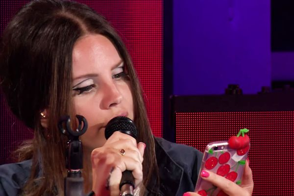 Lana Del Rey Covers Ariana Grande On Bbc Radio 1 Video