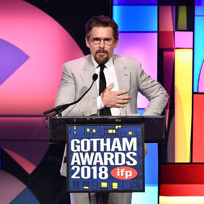 27-ethan-hawk-gotham-awards.w700.h700.jpg