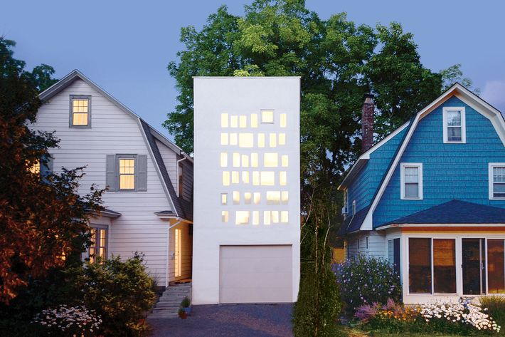 Haffenden House was designed by Jon Lott, a principal of the Brooklyn-based firm Para Project.