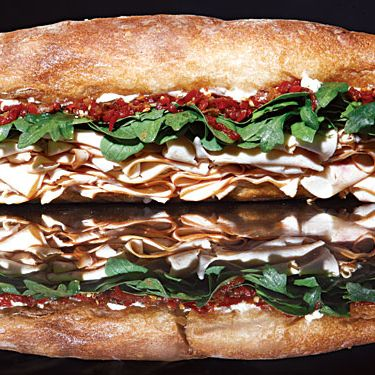http://images.nymag.com/images/2/daily/2010/05/20100528_bigsubsandwich_190x190.jpg