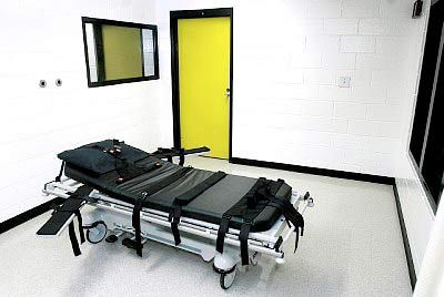 11 Jul 2013, Georgia, USA --- FILE - This Oct. 24, 2001 file photo shows the death chamber at the state prison in Jackson, Ga. The state of Georgia plans to use a compounding pharmacy to get the drug needed for an execution scheduled for next week. A Department of Corrections spokeswoman on Thursday, July 11, 2013 confirmed that the state will get pentobarbital from a compounding pharmacy for the execution of Warren Lee Hill, which is set for Monday, July 15. (AP Photo/Ric Feld, File) --- Image by ? RIC FELD/ /AP/Corbis