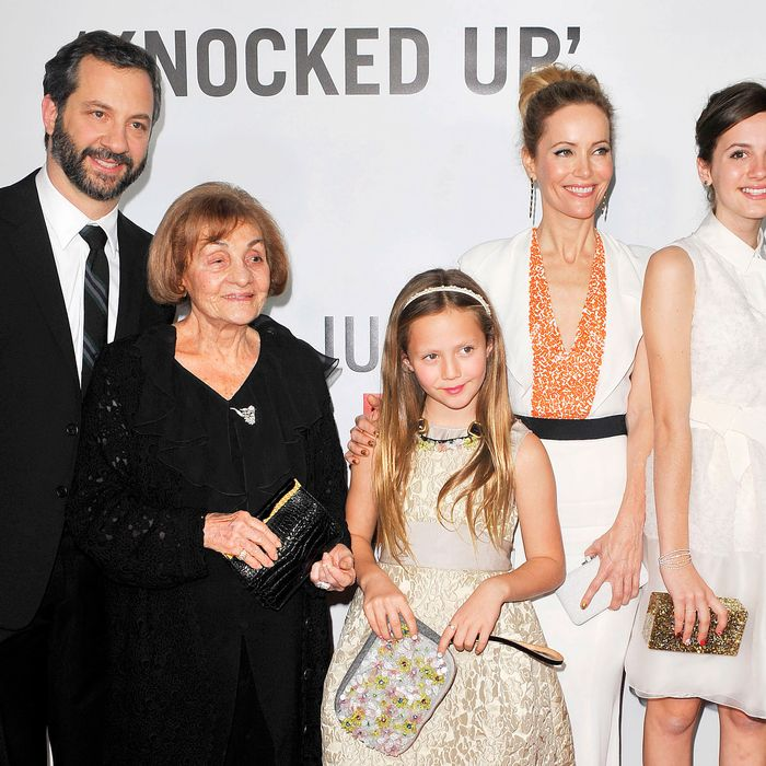 <i>This is 40</i>'s Iris Apatow, Leslie Mann, and Maude Apatow.