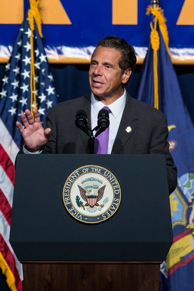 Restaurant Workers Will Get a Big Boost As New York Approves $15 Minimum Wage