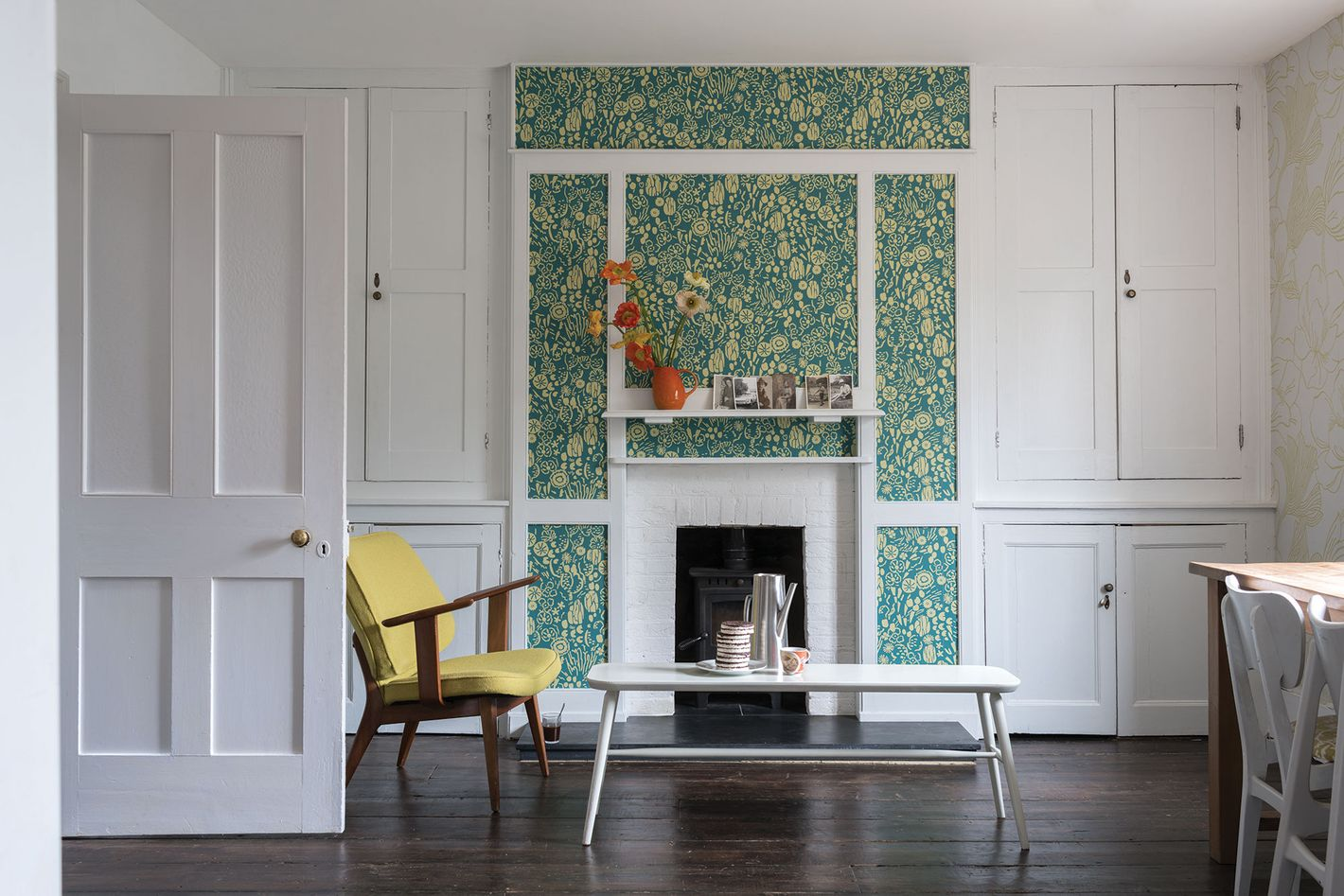 Farrow & Ball's Atamaca wallpaper