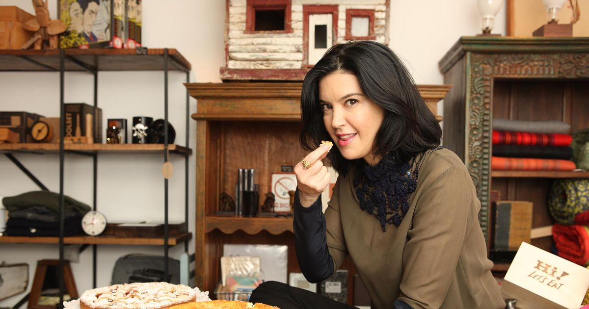 Phoebe Cates Hits Sfoglia Twice In One Day Closes Her Own