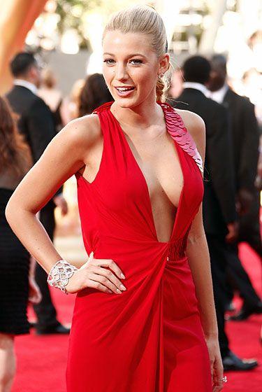 2010 emmy award boob pics