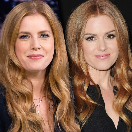 Isla Fisher's Holiday Cards Featured Amy Adams -- Vulture