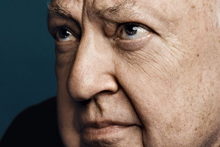 Roger Ailes, former Fox News chief, dies