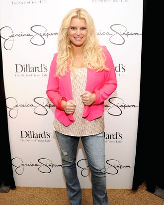 Jessica Simpson, four month into Weight Watchers.