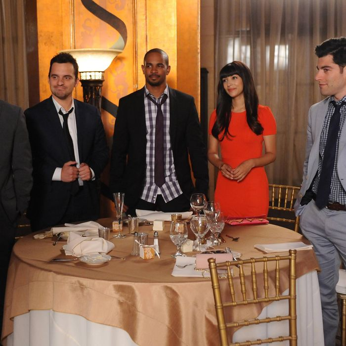 NEW GIRL: The gang (L-R: Lamorne Morris, Jake Johnson, Damon Wayans, Jr., Hannah Simone and Max Greenfield) attend the last wedding of the summer in the