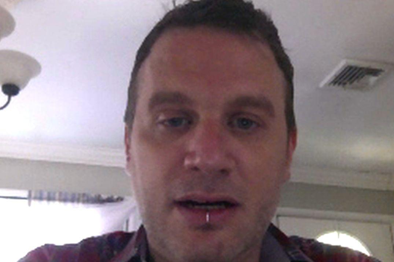 Seeking on women skype men Women seeking