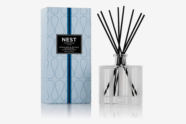 NEST Fragrances Reed Diffuser- Ocean Mist & Sea Salt