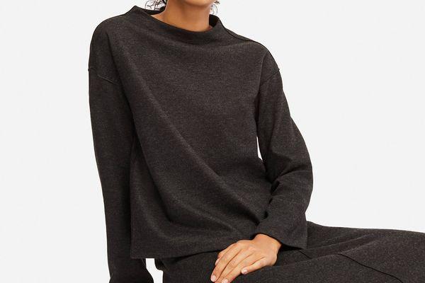 Uniqlo Women's Wool Blend Long Sleeve Pullover