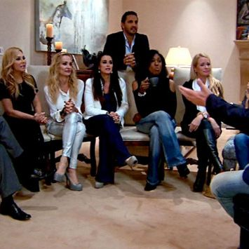 The Real Housewives Of Beverly Hills Recap Dinner Party Conga Lines