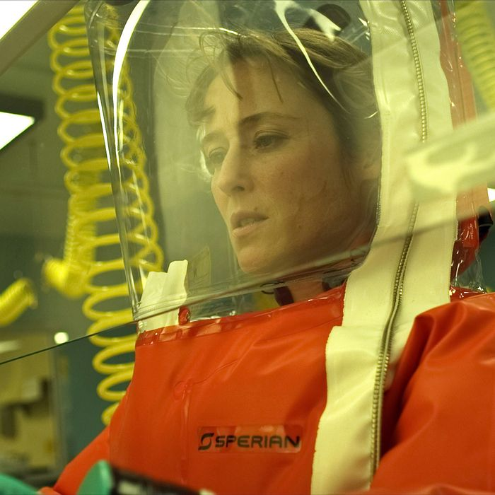 Jennifer Ehle in Contagion.