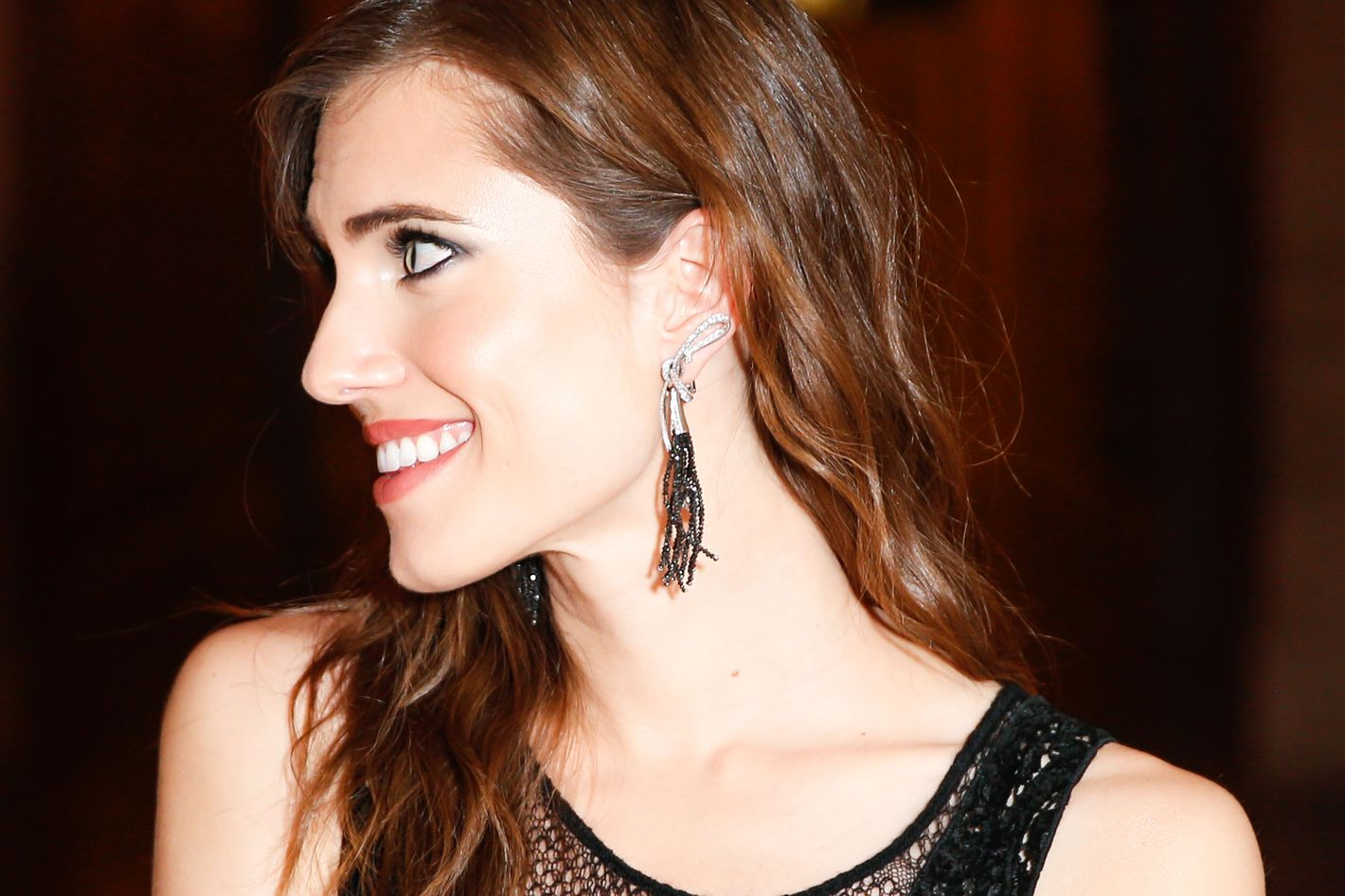 151d13060 Allison Williams Pierced Her Ear With a Safety Pin