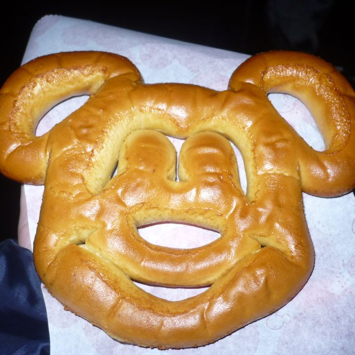 Alexander Pera saw Mickey everywhere.