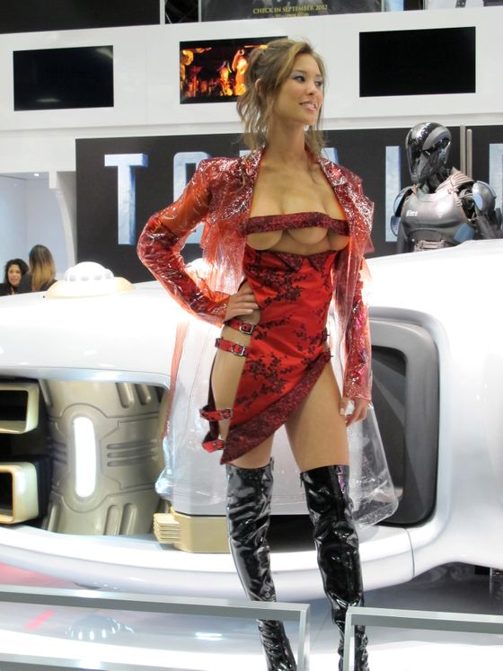 One of the most memorable characters in the 1990 'Total Recall' movie was the three-breasted hooker. Kaitlyn Leeb, who is playing the character in the 2012 remake, posed in a very revealing dress at Comic-Con International in San Diego, California, on July 13, 2012. <P> Pictured: Kaitlyn Leeb <P> <B>Ref: SPL418932  130712  </B><BR/> Picture by: Andrea Howlett / Splash News<BR/> </P><P> <B>Splash News and Pictures</B><BR/> Los Angeles:	310-821-2666<BR/> New York:	212-619-2666<BR/> London:	870-934-2666<BR/> photodesk@splashnews.com<BR/> </P>