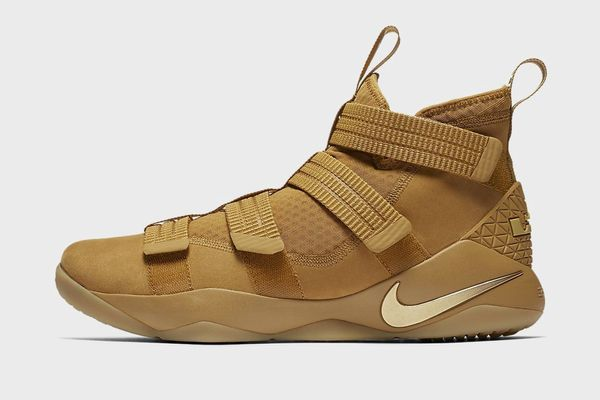 Nike LeBron Soldier XI SFG Basketball Shoe