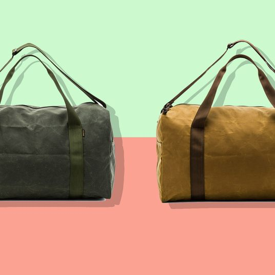 c119a8acb4da This Rarely-on-Sale Filson Weekend Bag Is 30 Percent Off