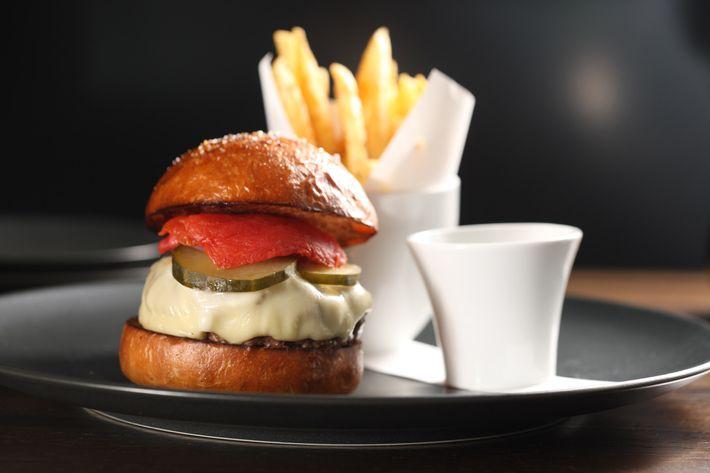 http://pixel.nymag.com/imgs/daily/grub/2013/12/23/23-the-elm-burger.jpg
