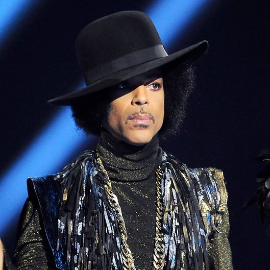 LONDON, ENGLAND - FEBRUARY 19:  Prince presents the award for British Female Solo Artist at The BRIT Awards 2014 at 02 Arena on February 19, 2014 in London, England. (Photo by Matt Kent/WireImage)