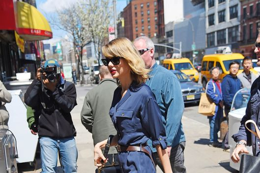 NEW YORK NY - APRIL 26: Taylor Swift sighting on April 26, 2014 in New York City. (Photo by Josiah Kamau/BuzzFoto/FilmMagic)