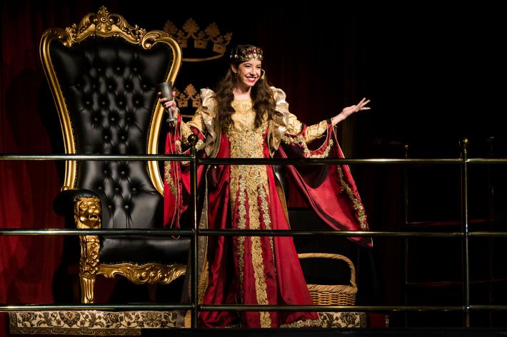Medieval Times Is Replacing All Of Its Kings With Queens