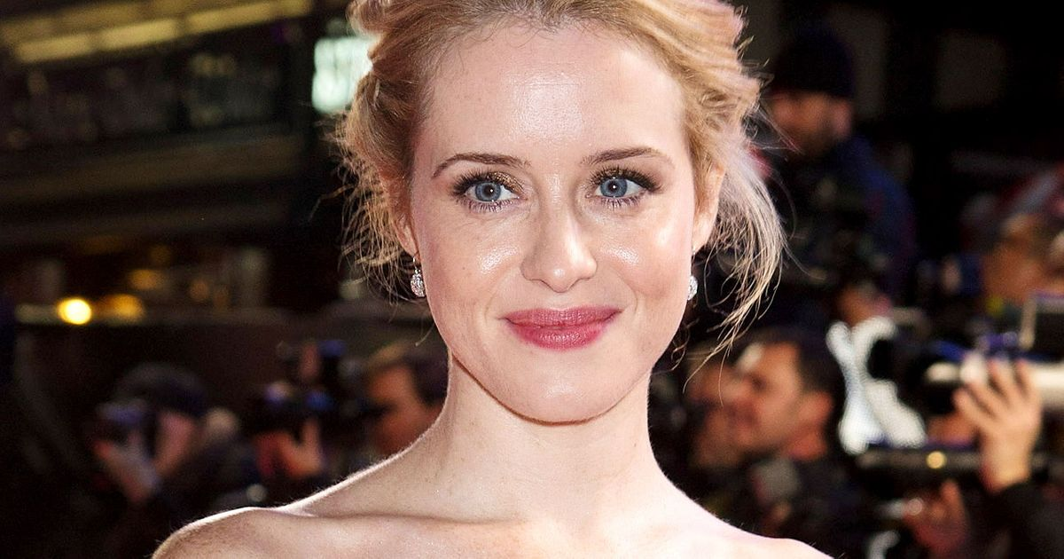 100 Jokes Shaped Modern  edy C V R also Video Jimikki Kammal Goes Viral in addition Zooey deschanel new girl inter further Will Ferrells Idea For A Political Satire also Crown Claire Foy Golden Globe Nomination. on oscar music nominations
